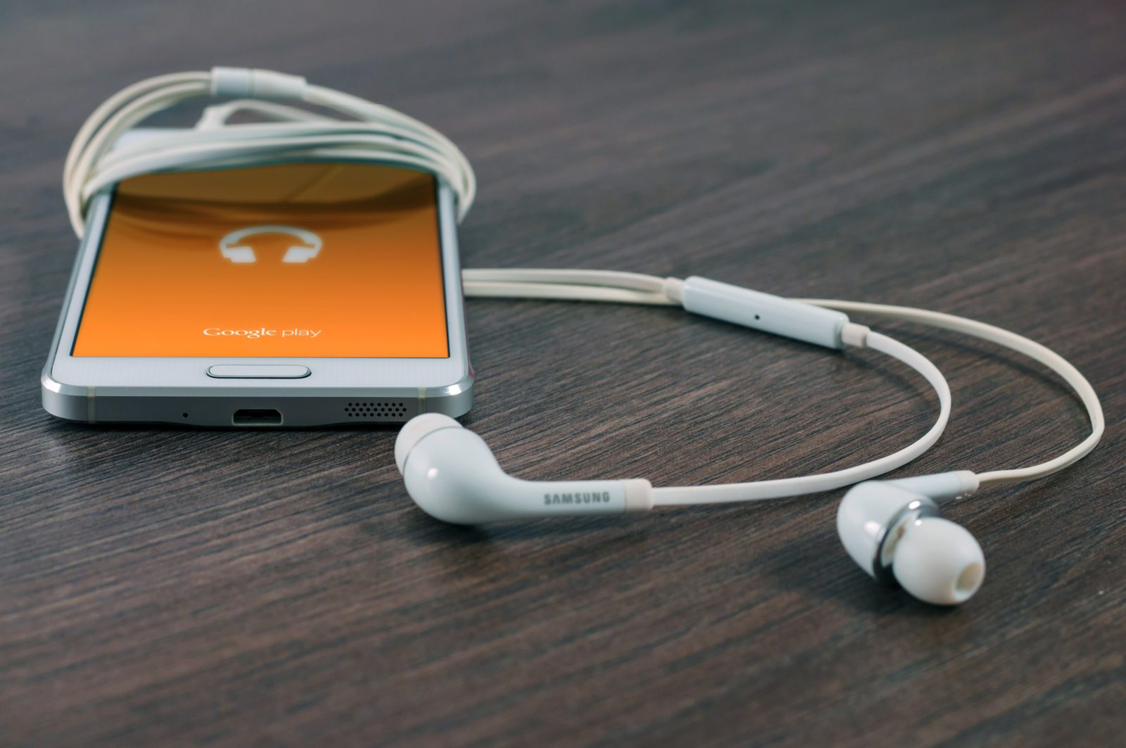 Digital Marketing Podcasts | What You Should be Listening To | Epic Notion Blog